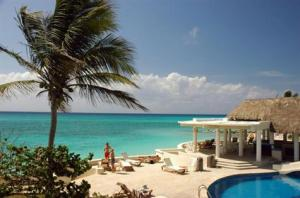 Playa del carmen Real Estate by the beach