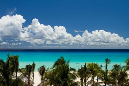 Sandos-Playacar-Beach-1-640x427