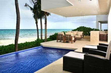 Gorgeous home for sale in Playa